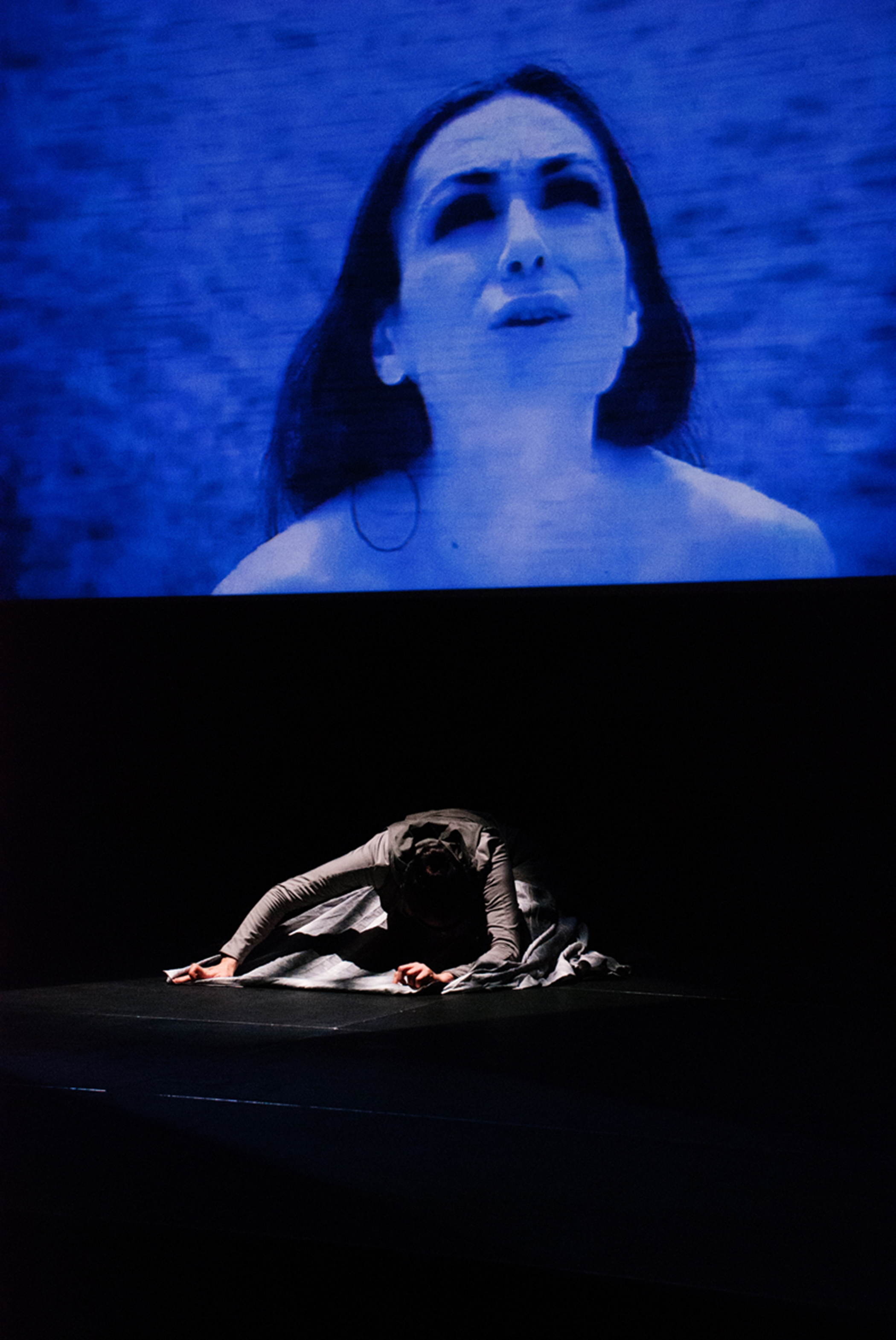 "<cite>  ""Enheduanna―A Manifesto of Falling"" Live Brain-Computer Cinema Performance</cite> at CCA Glasgow, 30–31 July 2015. (© Polina Zioga. Photo: Catherine M. Weir.)"